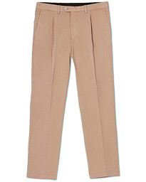 Oscar Jacobson Delon Pleated Cotton Chinos Beige