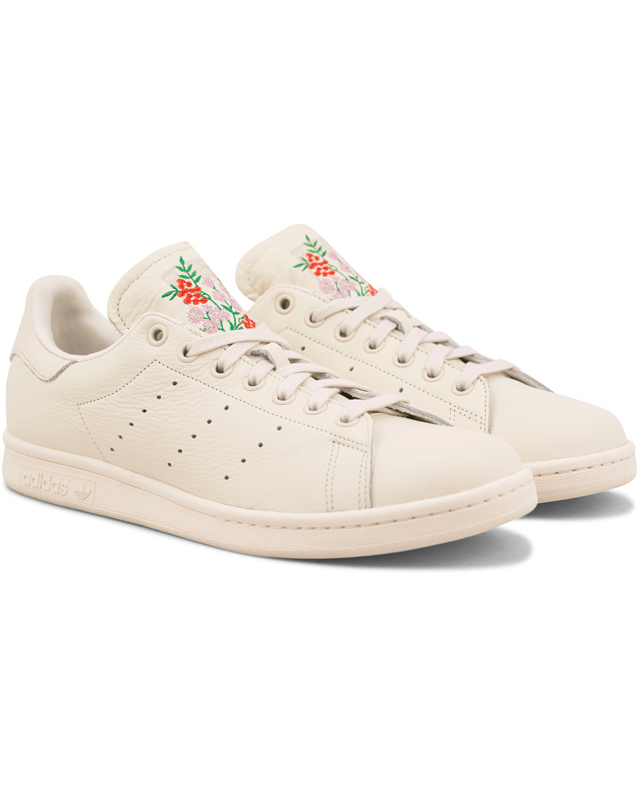 new style eb3f0 e384a Adidas Originals Stan Smith Embroidery Flower Sneaker White ...