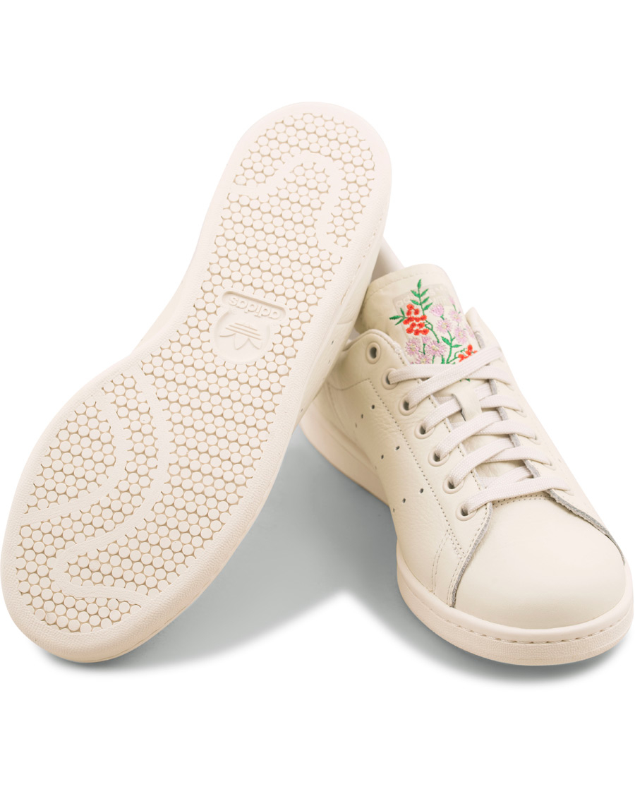 3db963088aac3 Adidas Originals Stan Smith Embroidery Flower Sneaker White hos C