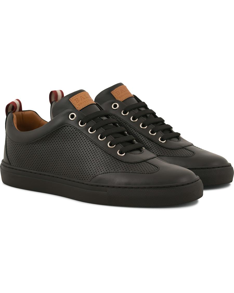 Bally Hendrik Perforated Sneaker Black Calf hos CareOfCarl.com 525c7683cee5e