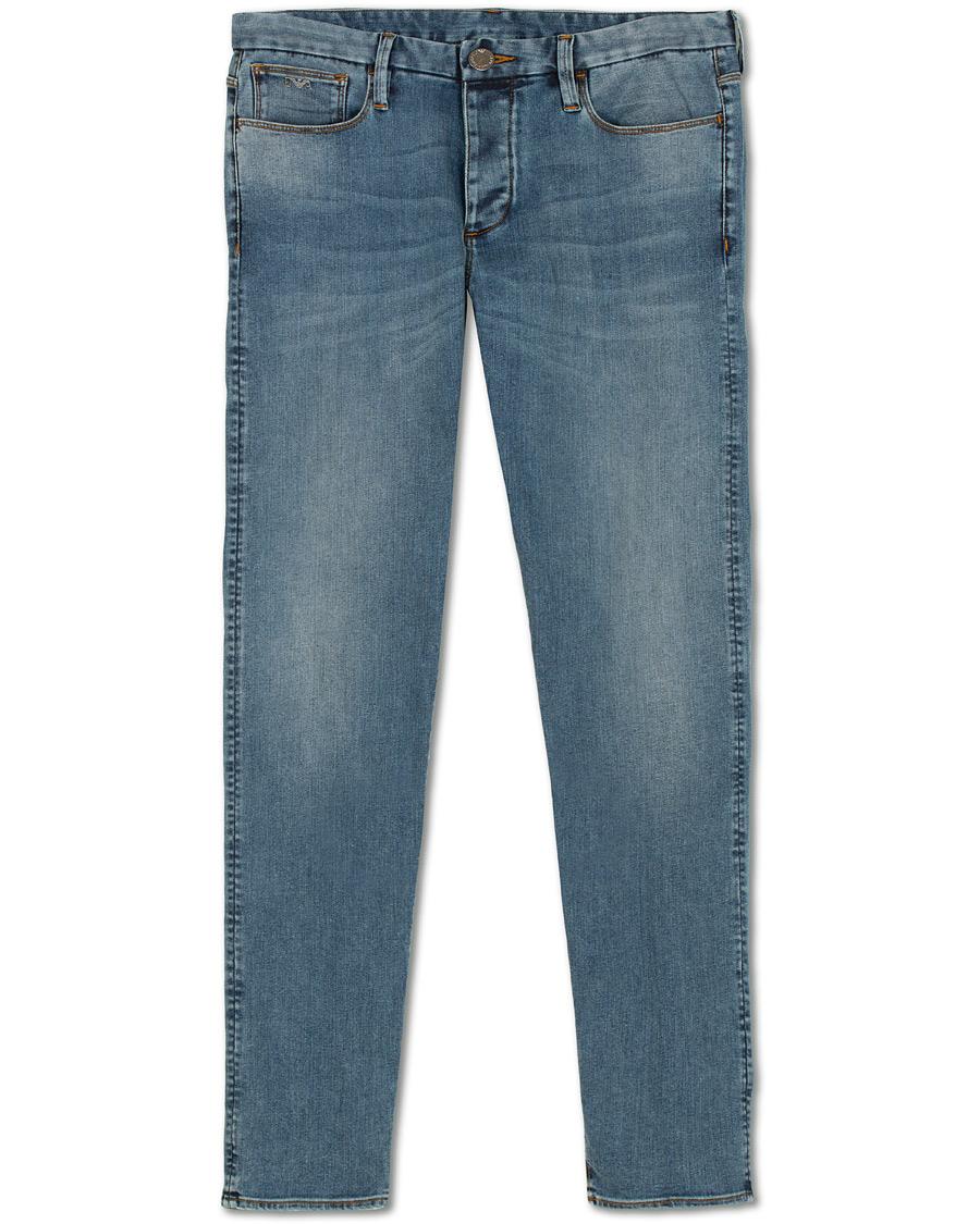 Emporio Armani Extra Slim Fit Jeans Mid Blue hos CareOfCarl.com 15a20772cbb7d