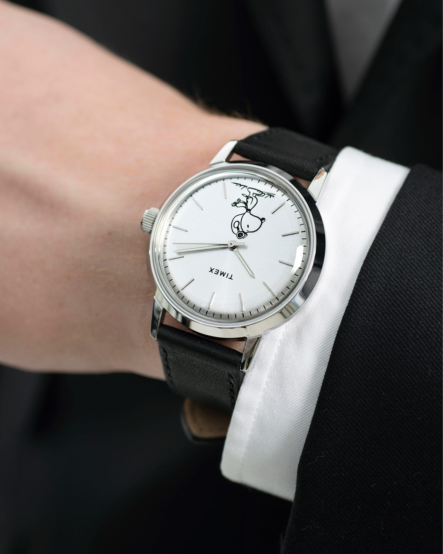 f7ebb8203 Timex Marlin Snoopy Automatic Silver Dial Black hos CareOfCarl.c
