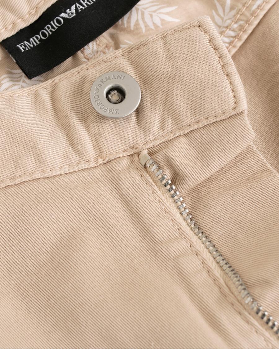 Emporio Armani 5-Pocket Shorts Beige hos CareOfCarl.com 8753c53c84dbb