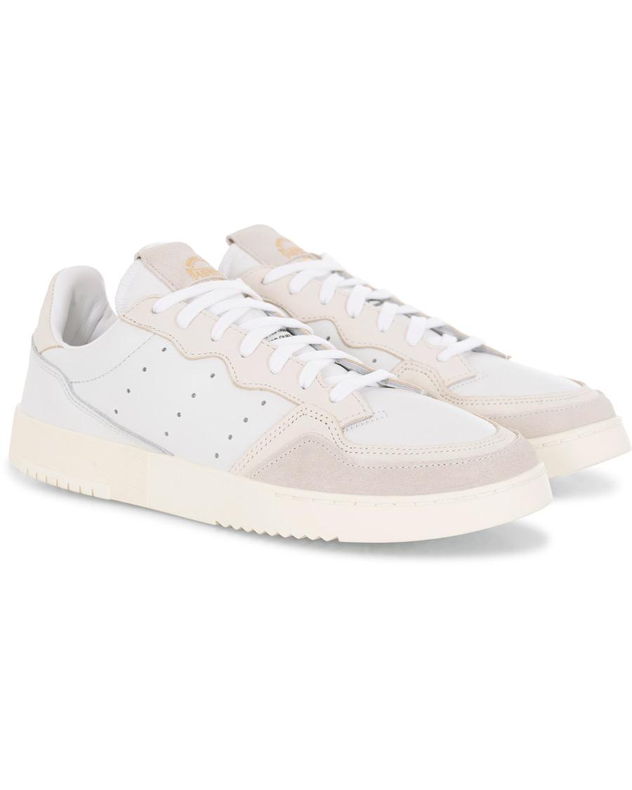 stor rabatt varm produkt på fötter bilder av adidas Originals Supercourt Sneaker Crystal White hos CareOfCarl.