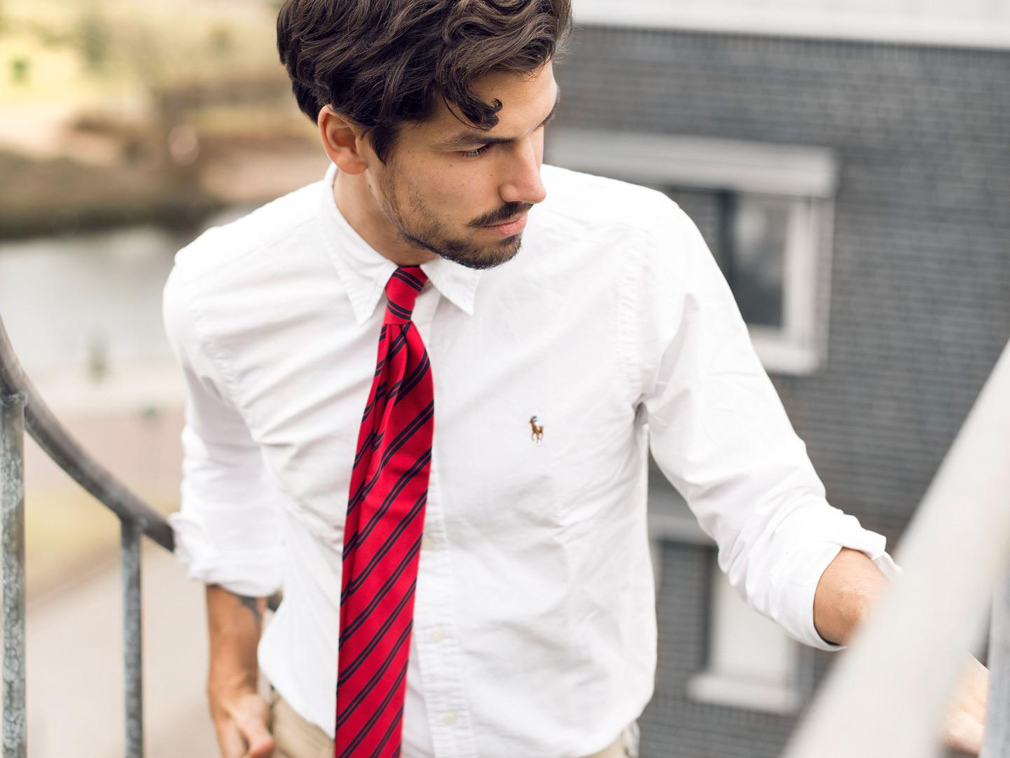 tröja att ha över skjorta
