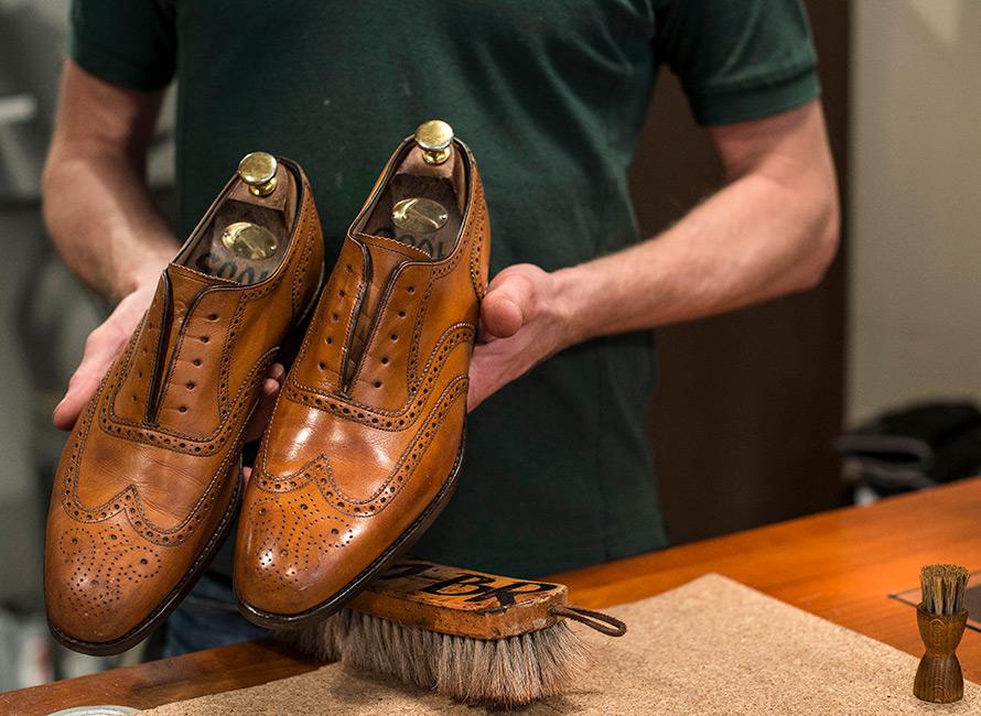 70ff1c9725d Skovårdsguiden - Såhär tar du hand om dina skor | Care of Carl
